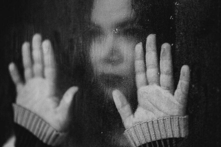 Ragazza con sintomi di ansiosa